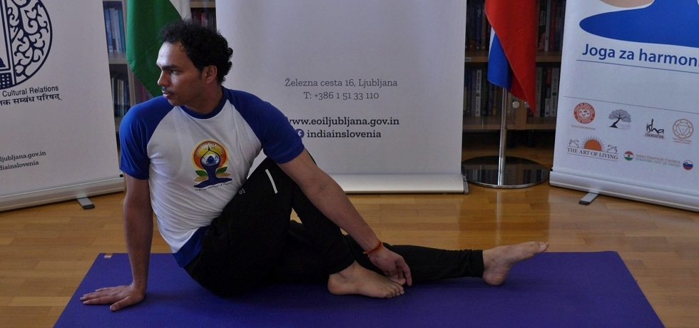 Mr Mukesh Chandra, Teacher of Indian Culture, conducted the Common Yoga Protocol practice during the celebration of 6th International Day of Yoga online on 21 June 2020
