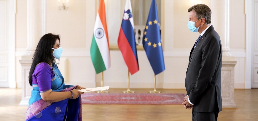 The newly appointed Ambassador Extraordinary and Plenipotentiary of the Republic of India Ms. Namrata Satdeve Kumar presents the letter of credence to the President of the Republic of Slovenia Mr. Borut Pahor