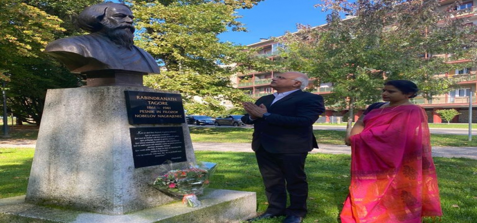 On 28 September 2021, President ICCR, Dr. Vinay Sahsrabuddhe paid homage to the great Indian philosopher and nobel laureate poet Gurudev Rabindranath at Tagore's bust at Magdalena park in Maribor.