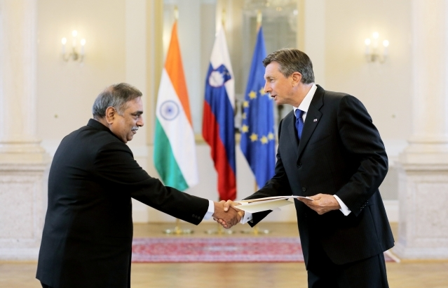 Shri Paramjit Mann, Ambassador of the Republic of India to the Republic of Slovenia, presents his credentials to Mr. Borut Pahor, President of the Republic of Slovenia