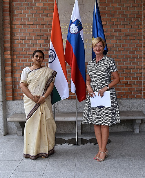 Ambassador-Designate Ms. Namrata S. Kumar presents copy of credentials to Ms. Nataša Prah, Head of Diplomatic Protocol, Republic of Slovenia